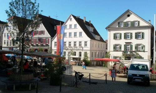 Platz, desno od Kurtza kombi :)