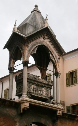 En mavzolej u luftu pred Sv anastazijo