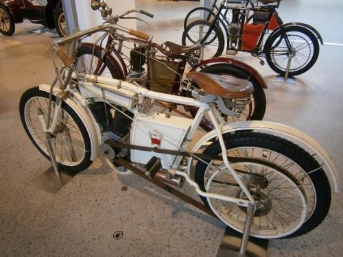 ...prek 'mopedov'...