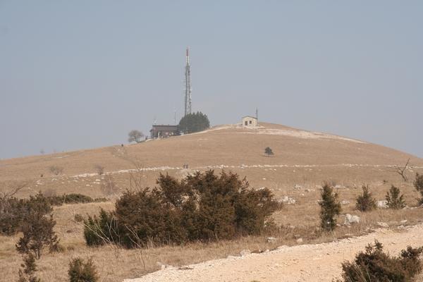 Koča in vrh Slavnika