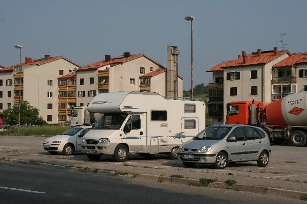 Parkirišče v Senožečah