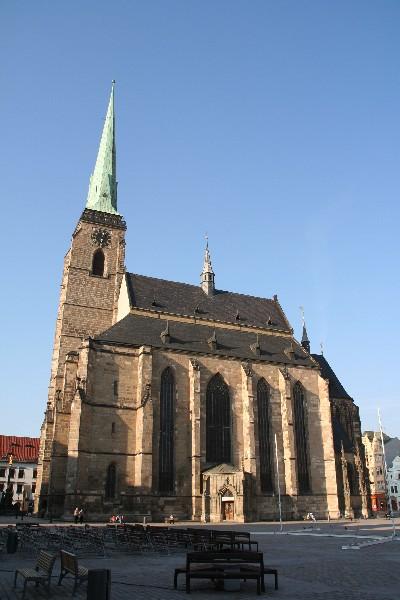 Trg republike z Bartolomejevo cerkvijo