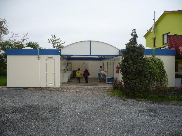 V kotu sanitarij je ročni nogomet