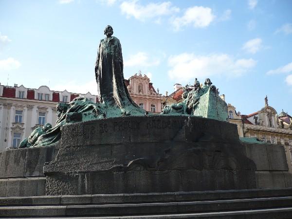Spomenik Jana Husa na Staromestnem trgu