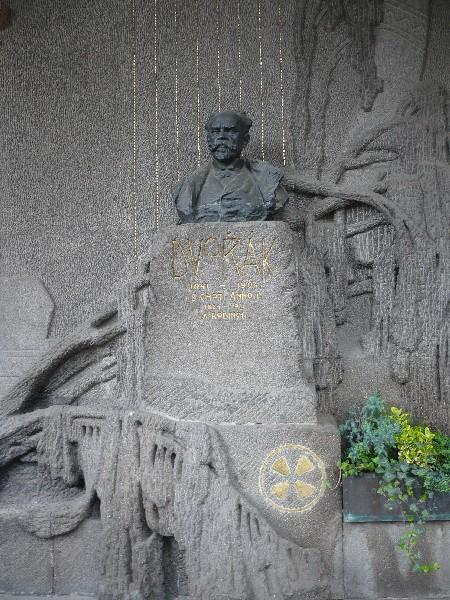 Grob skladatelja Antonina Dvoržaka