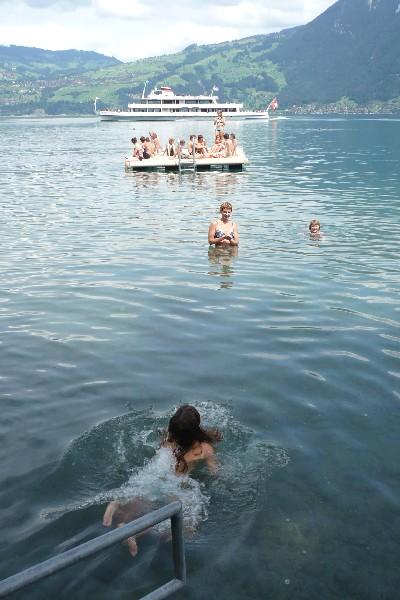 Plavanje v jezeru Thuner