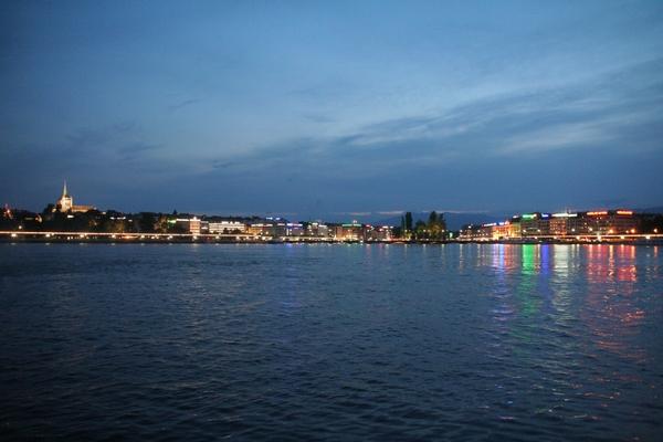 Ženeva by night