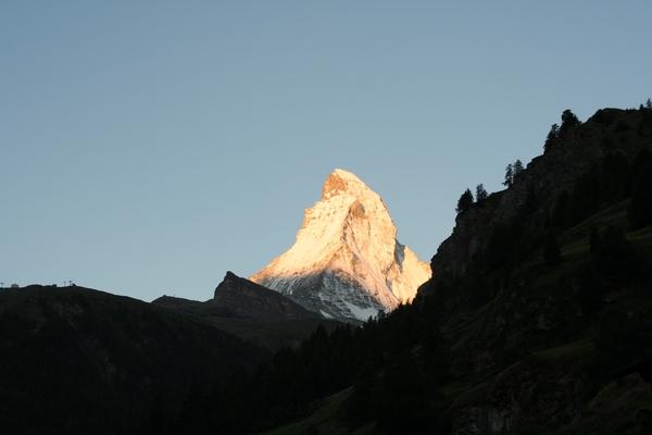 Matterhorn v jutranjem soncu