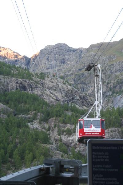 Gondola proti Matterhorn glacier paradisu