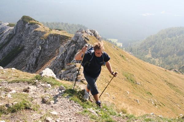 Po grebenu proti vrhu