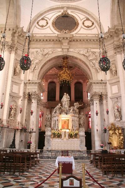 Oltar v cerkvi Santa Maria d. Salute