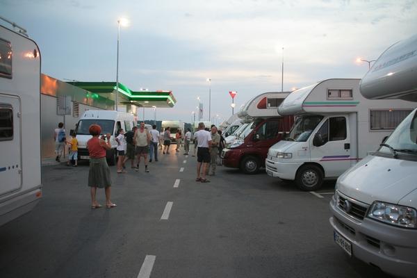 Počitek na črpalki v Srbiji