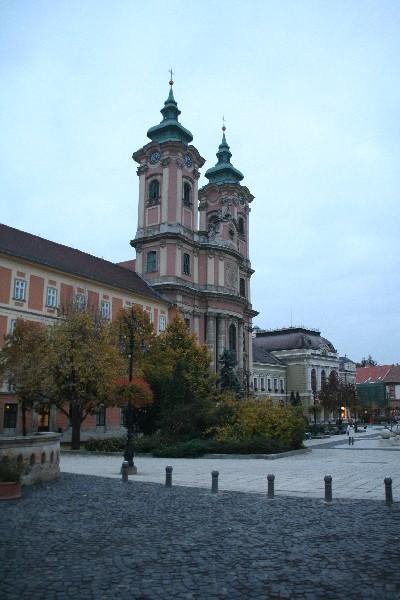 Pred Minoritsko oziroma Antonovo cerkvijo