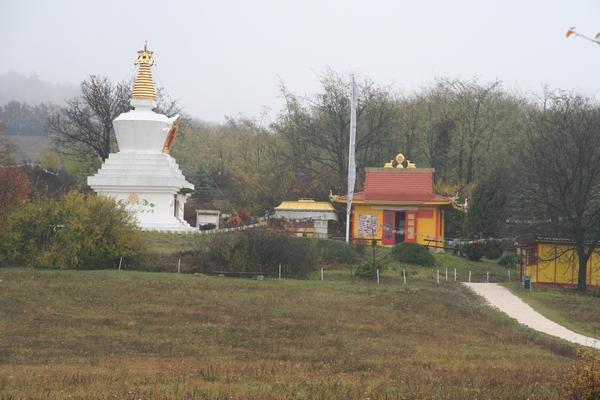 Stupa v Taru
