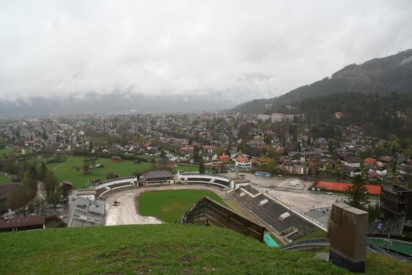 Pogled na Garmisch Partenkirchen iz skakalnic