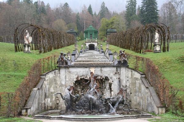 Kaskade in Herkulov vodnjak