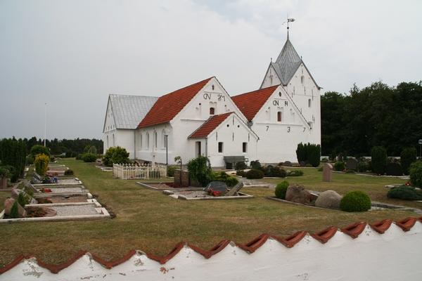 Cerkvica ob poti
