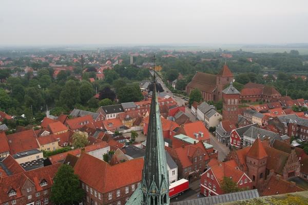 Pogled na Ribe in cerkev sv. Katarine iz katedrale