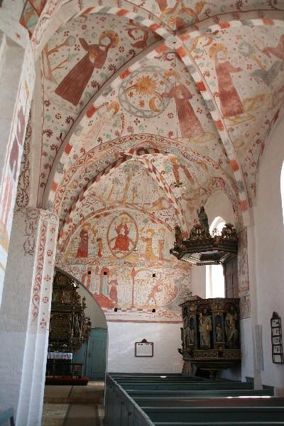 Notranjost Fanefjord kirke