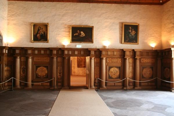 Soba s slikami