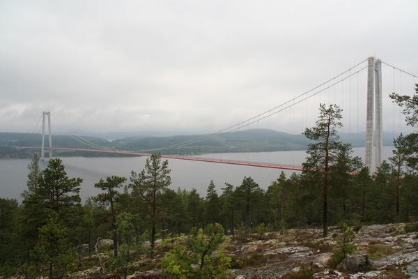 Högakustenbron čez delto reke Ångermanälven