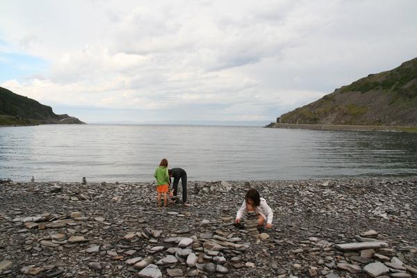 Postavljanje trolčkov na obali