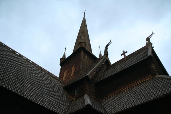 Stavkirke v Lomu