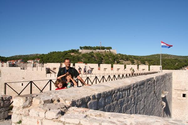 Na obzidju trdnjave
