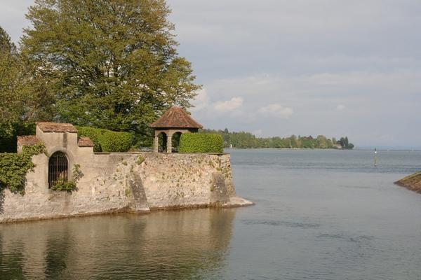 Pogled na Bodensko jezero izpred mestnega parka