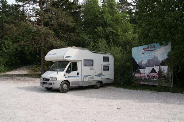 Parkirišče pred Jasno