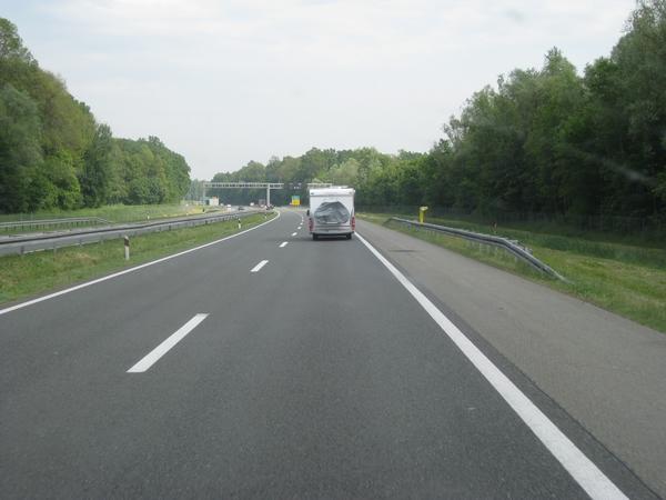 Sportski lagano po avtocesti preko Hrvaške