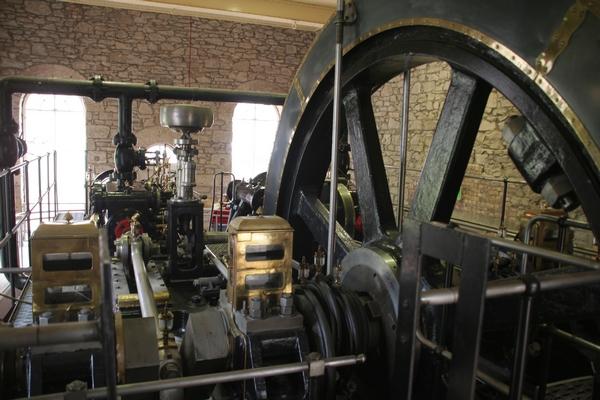Pogonski stroj