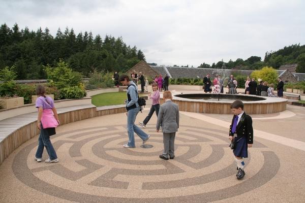 Labirint na razgledni terasi