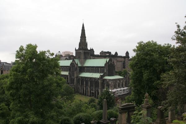 Pogled na katedralo iz nekropole