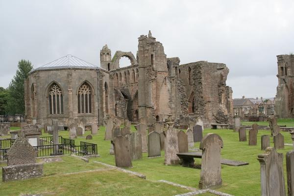 Deli katedrale in kapitelj