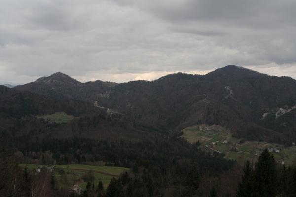 Grmada in Tošč