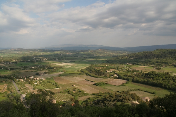 Pogled na Provanso iz razgledišča v Gordesu