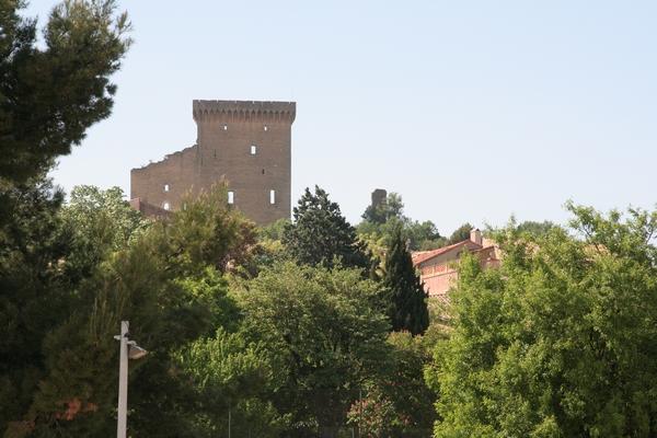 Pogled na ostanke palače iz kraja