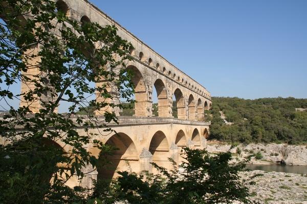 Akvedukt je bil del vodovoda med Source d'Eure in Nimesom