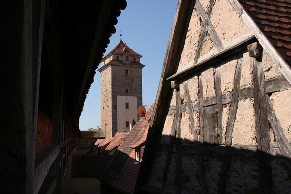 Pogled na Spitalgasse iz mestnega obzidja