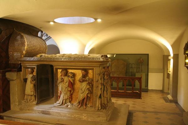 Sarkofag sv. Otta