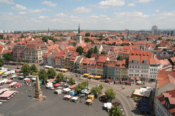 Pogled na mesto iz cerkvenega zvonika