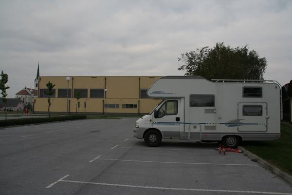 Parkirišče v Markovcih