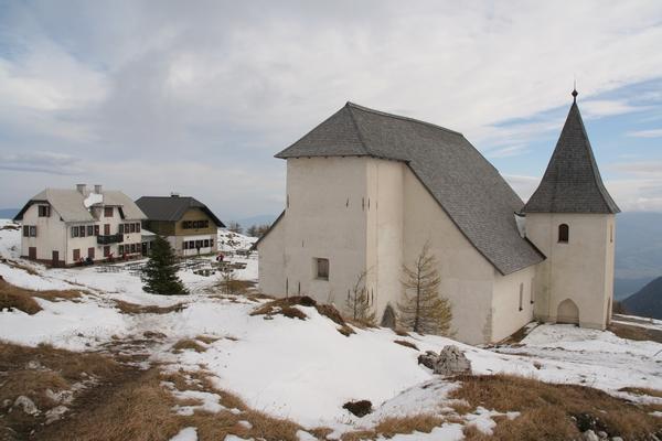 Planinski dom in cerkev sv. Uršule