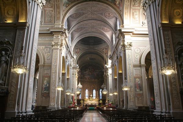 Osrednja cerkvena ladja