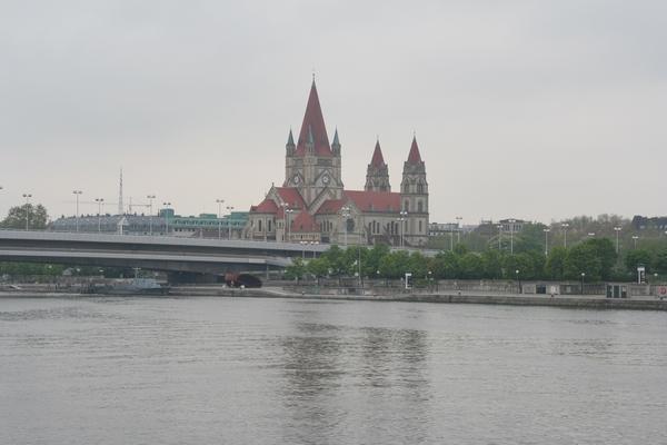 Plovba po Donavi skozi Dunaj