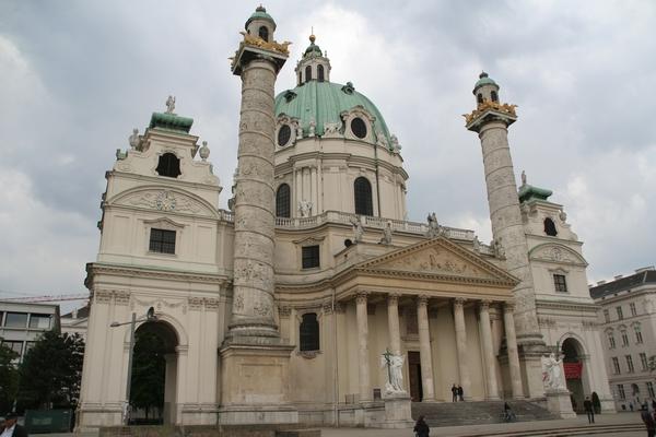 Karlova cerkev