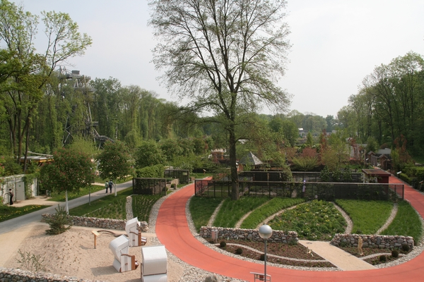 Pogled na vrtove z malo višjega mesta...