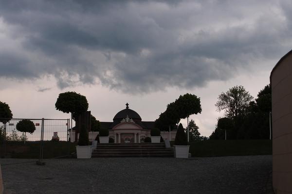Samostanski vrt pred nalivom