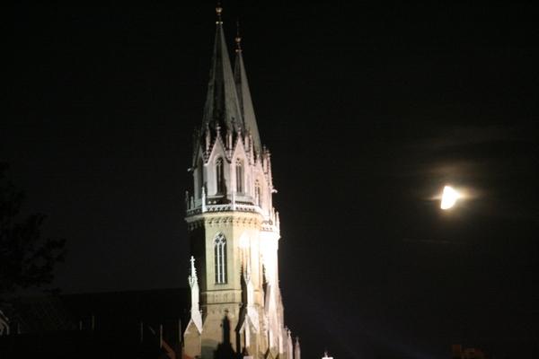 Še zadnji pogled na zvonike samostanske cerkve